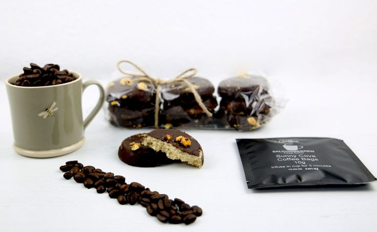 Todays #boxoftheday goes to The Espresso One!  Perfect gift for all coffee lovers with a grey Jane Hogben espresso mug, Teoni's dark chocolate shortbreads and Salcombe Brew's Coffee Bags - just like tea bags but filled with coffee instead!  A neutral box perfect for all ages, all occasions and all people!