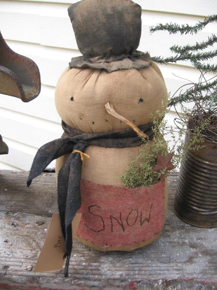 Primitive snowman designed and handmade by Seasonal Prims