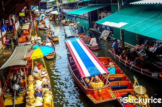 ¿Conoces el arte del regateo? Descubre aquí nuestros 5 consejos para regatear bien en Tailandia y ahorra en tus compras en mercados. #viajar #tailandia #bangkok http://bangkok.stickyrice.co/5-consejos-para-regatear-en-tailandia/ Bang Noi Floating Market en สมุทรสงคราม, จังหวัดสมุทรสงคราม