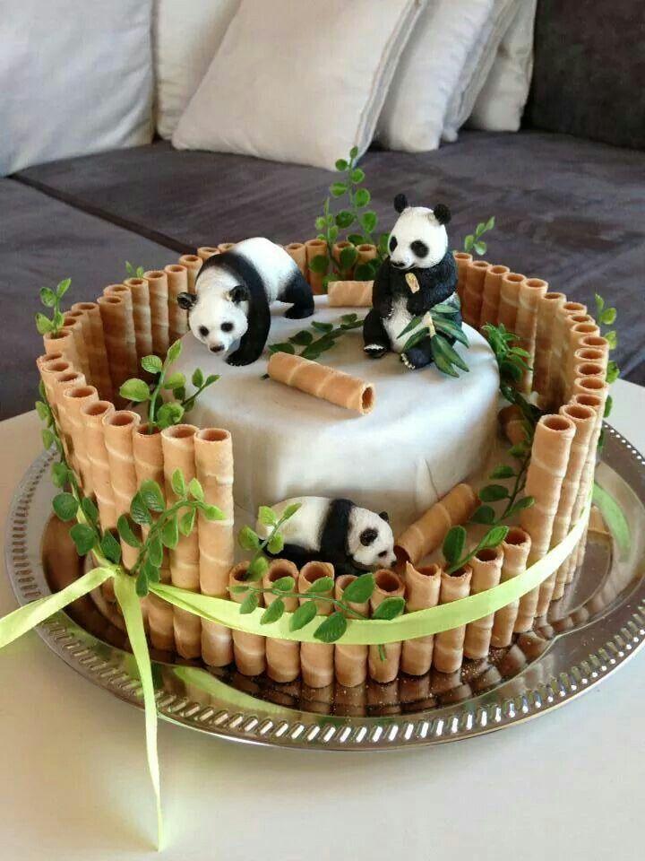 Pastel de panda con palitos de gofre como bambú, ingenioso pastel para decorar …   – Hochzeit Kuchen
