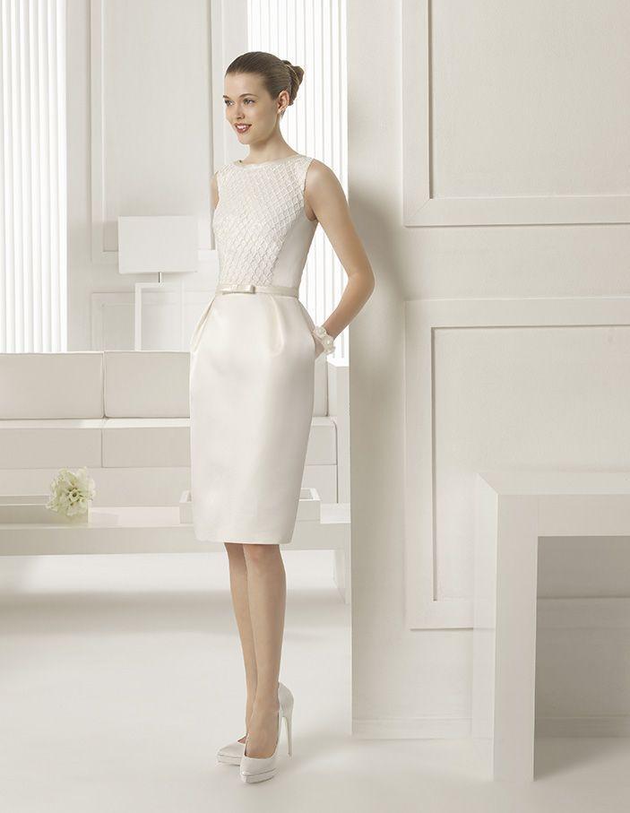 Rosa Clará nos deja un vestido corto y con falda tubo muy elegante