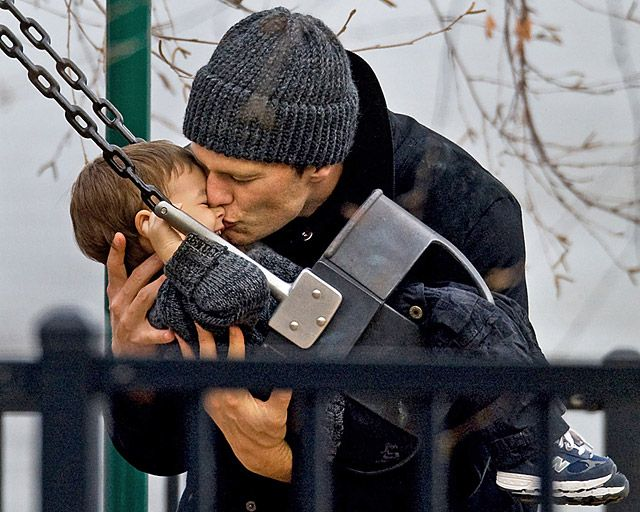 I don't even care for Tom Brady...but this made me die a little...God, that is so cute.