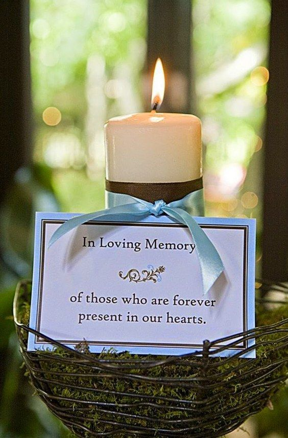 memory candle for wedding / http://www.deerpearlflowers.com/ways-to-honor-deceased-loved-ones-at-your-wedding/
