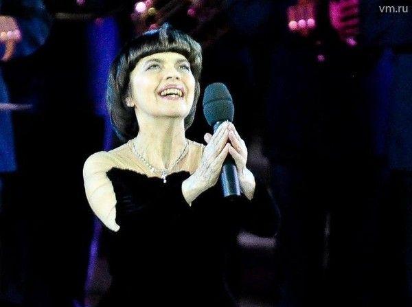 Mireille Mathieu, Les amis de Mireille Mathieu-Le blog, site : Mireille Mathieu - Moscou le 14 mars 2017. JT-TF1 ...