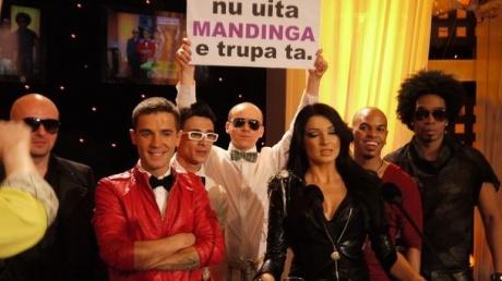 EUROVISION 2012 Mandinga va reprezenta România la Baku VIDEO  http://www.realitatea.net/mandinga-va-reprezenta-romania-la-eurovision-2012-la-baku-vezi-piesa_921661.html#ixzz1okqUxTB4