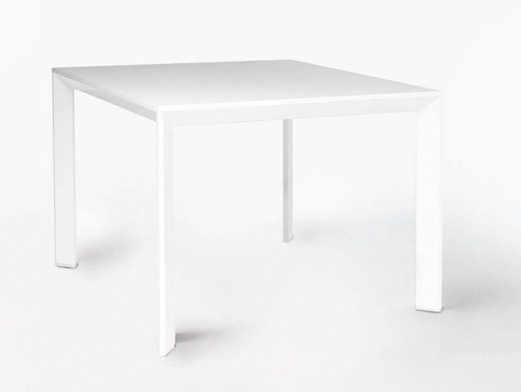 Mesa da cozinha quadrada de folheado de madeira CHAMFER by Karl Andersson & Söner | design Daniel Franzén, Mattias Ståhlbom: Mattia Ståhlbom, Mattias Ståhlbom