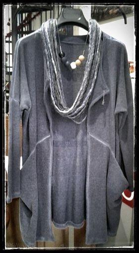 """Collana ZSISKA. Collana in lana """"fatto in To"""" Cardigan """"design"""