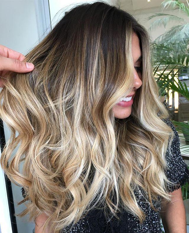Blonde com delicados tons de Dourado e Pérola✨#mechascriativas #romeufelipe #equipe #ombrehighlights #ombrehair