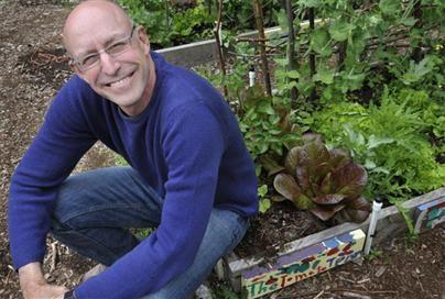 Michael Pollan advierte del veneno de la comida industrial. Saber comer. 64 reglas básicas para aprender a comer bien, Michael Pollan