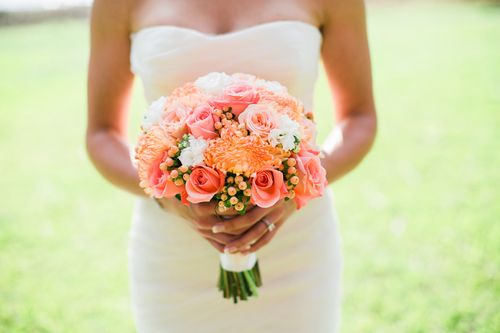 To many brides, the bouquet is as essential to their wedding look as the gown, hair and makeup, and something blue. Once the reception is over, though, it can be pretty depressing to watch the blooms start to wilt. Luckily, there are tried-and-true ways to preserve your gorgeous flowers.