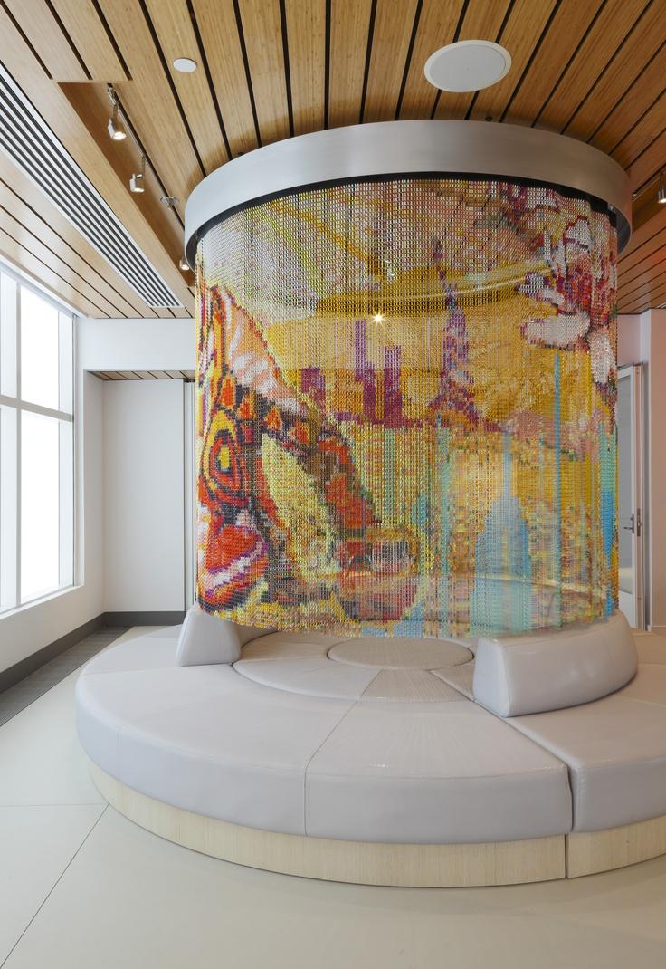 Esta cortina, realizada por Kriskadecor, se puede ver en el Yotel de Nueva York. El diseño es de Shinpei Naito. #design