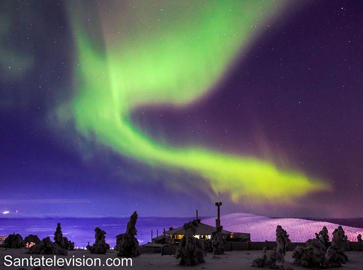 Северное сияние в Леви, одном из главных горнолыжных курортов в финской Лапландии