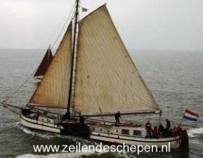 Zeilcharter de 'Bonte Piet' uit Harlingen