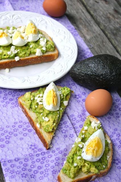 avocado egg toast with feta: Avocado Eggs, Yummy Breakfast, Brunchbreakfast Idea, Healthier Recipe, Eating Eggs, Eggs Toast, Avocado Toast, Feta Toast, Avocado Baby