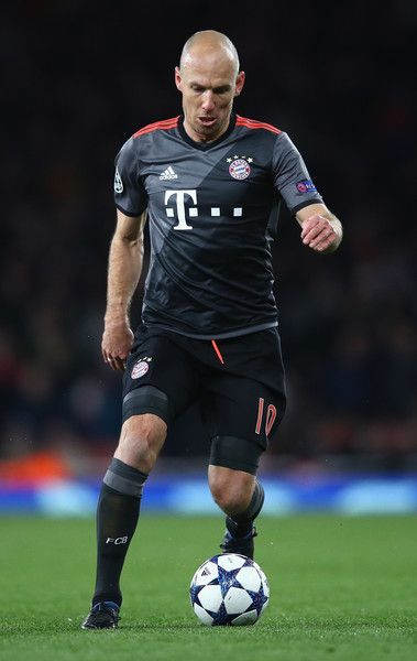 Arjen Robben Photos Photos - Arjen Robben of  FC Bayern Muenchen in action during the UEFA Champions League Round of 16 second leg match between Arsenal FC and FC Bayern Muenchen at Emirates Stadium on March 7, 2017 in London, United Kingdom. - Arsenal FC v FC Bayern Muenchen - UEFA Champions League Round of 16: Second Leg