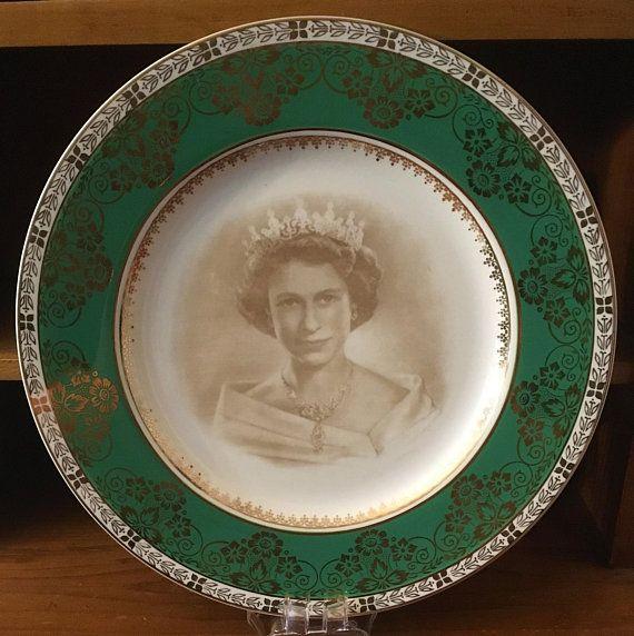 Crown Ducal QUEEN ELIZABETH II 1953 Coronation Souvenir Plate