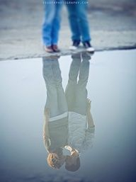 couple's reflection...so clear and beautiful :)