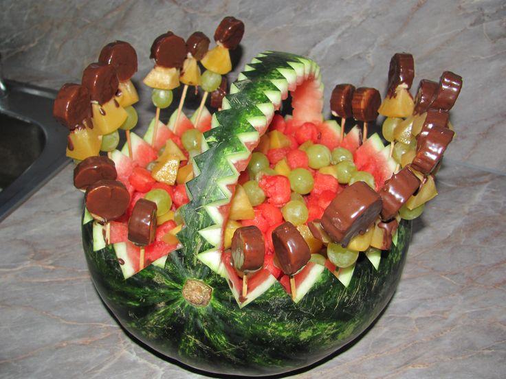 košík z melounu