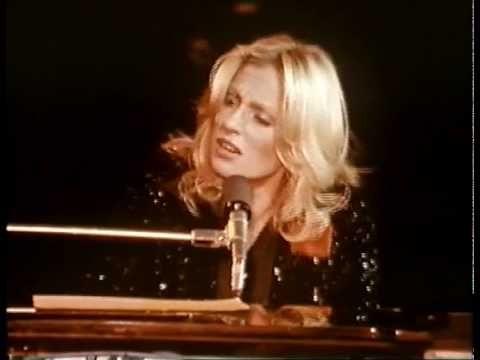 """Vancouver - Véronique Sanson -- """"Je chante dans le port de Vancouver / Je chante sur des souvenirs amers / Et je danse, je danse  / C'est bien / Je n'vois jamais le matin..."""""""
