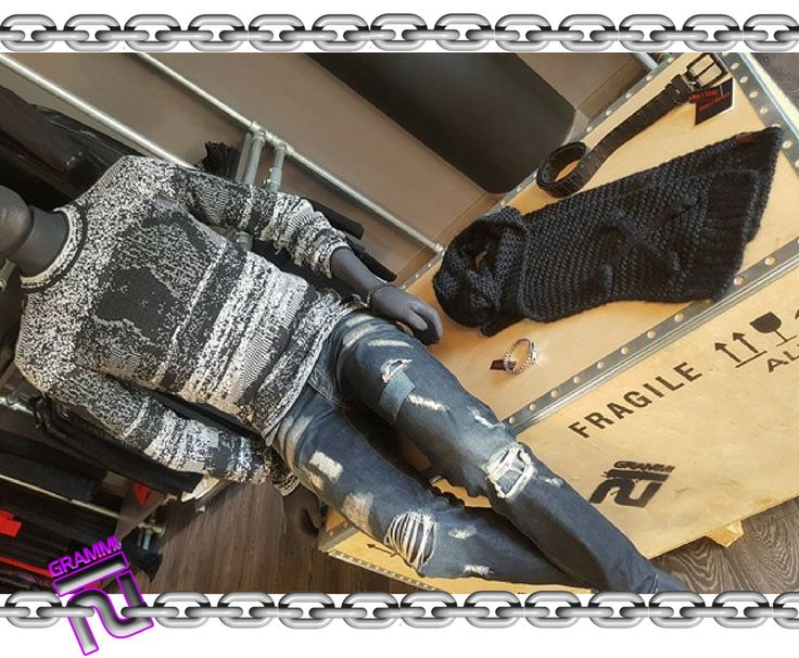 Ultimi pezzi! 😉🔗🖤 #21Grammi #Man #creailtuolook #outfit #Jeans #weliveinblack #alternative #bracciale #sciarpa #pomezia #moda #Absolutjoy #ReligionClothing #QueenOfDarkness #abbigliamento #vestitidellanima #rock #urbanstyle #dark #madeinitaly #londonstyle #rocklove #21grammilife #animadark #vestitiperlanima #black #sconti #nero