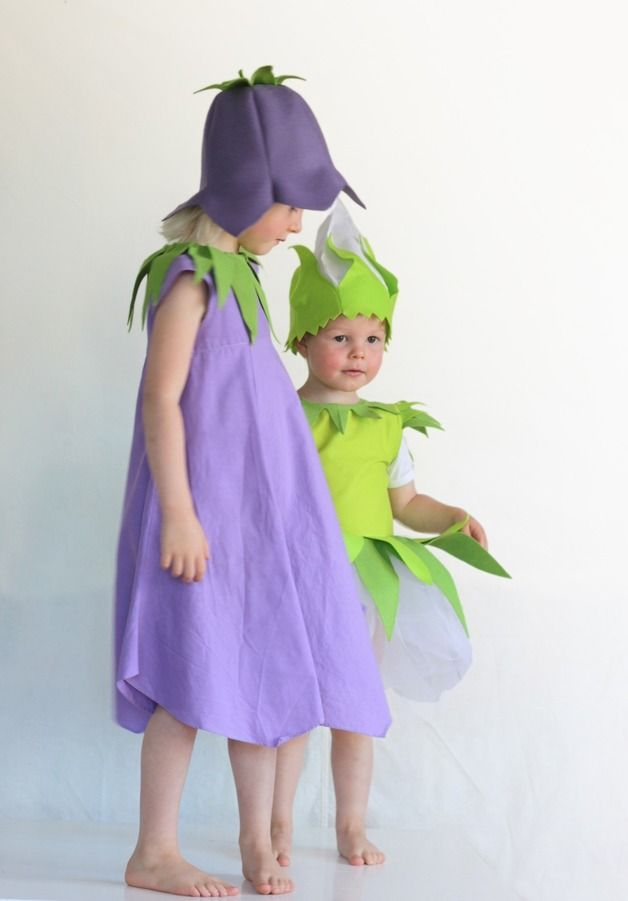 Faschingskostüm für Kinder: Glockenblumenkleid als Kostüm für Karneval / carnival costume for kids: dress up as a blue bell for a costume party, made by Ida Elfe via DaWanda.com