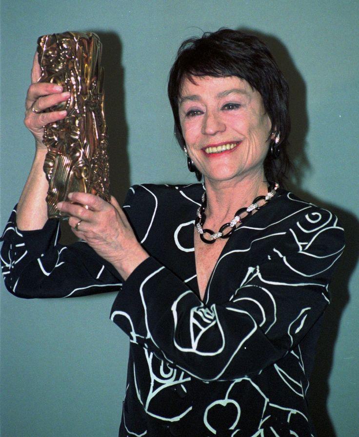 Annie Girardotová priniesla do filmu krátke vlasy a emancipáciu  K úspechu v umeleckej brandži sa dostala vďaka prirodzenému šarmu