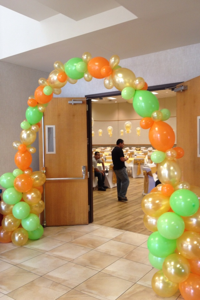 108 best images about arches on pinterest for Balloon arch decoration ideas