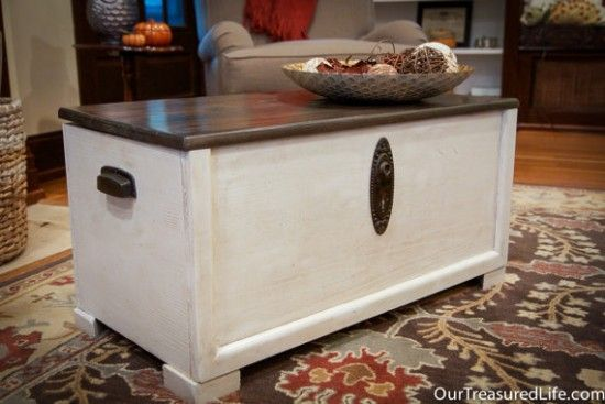 Curbside find toy box gets a makeover turning it into a gorgeous blanket chest by Our Treasured Life via Prodigal Pieces www.prodigalpieces.com #prodigalpieces