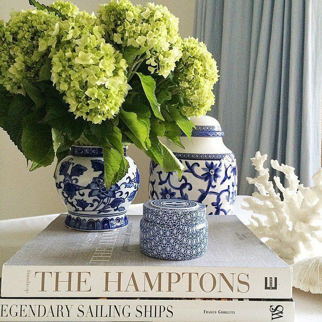 thepastelprince:thecolonial:muffytakesmanhattan:xOh hello vignette All about that blue and white pottery lyfe