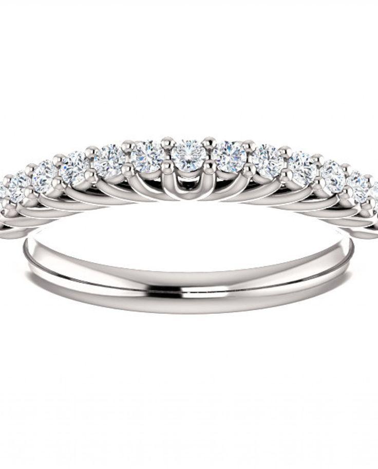 Inel din aur alb cu montura de diamante