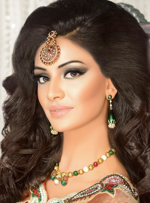 indian party hair styles best 25 hair ideas on indian style 7122 | d002b50796787e5e2c314b657803ae10 party makeup bridal makeup