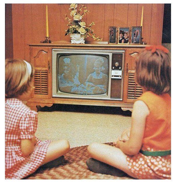 Watching Tv Watchingtv Vintage Tv Vintage Television Vintage Tv Old Tv