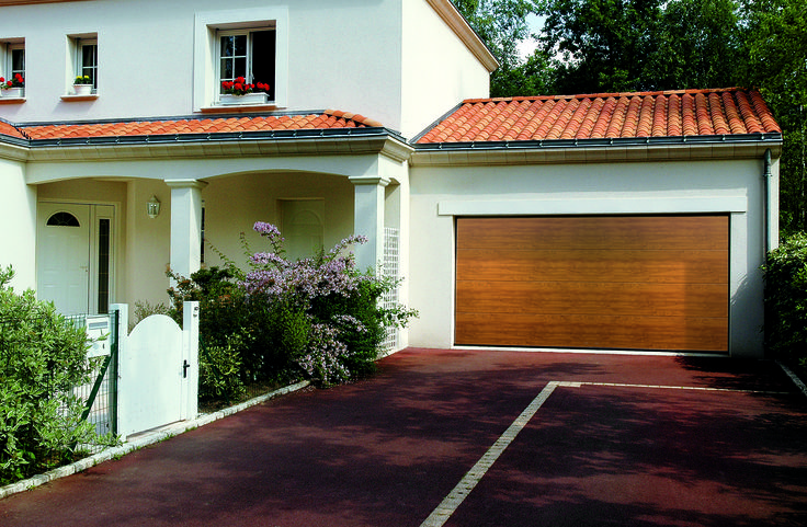 Cardale Sectional Garage Doors