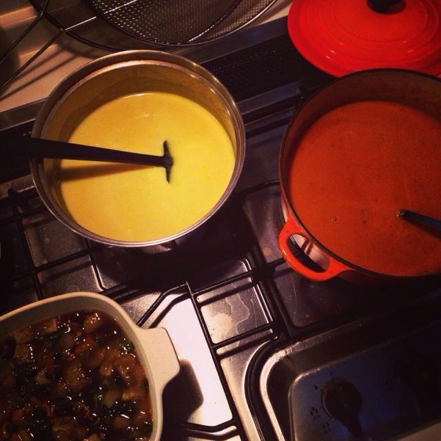 正月2日…関係なく?台所に立ってます 笑 おせちに使った海老の殻があったのでついつい 冷蔵庫にも年越し野菜があったのでついつい  海老のビスク かぼちゃスープ 根菜の生姜スープ  でも 楽しい 笑 次 何作ろう - 20件のもぐもぐ - Soup Stock moco by gurimoco
