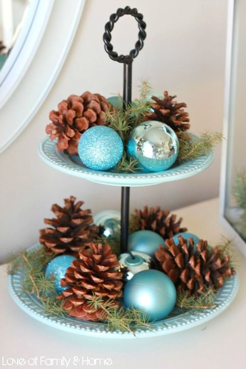 Simple nature-y Christmas ideas that Sparkle like the Sea and the Summer Sky. Featured on BBL: http://beachblissliving.com/beach-christmas-decorations/