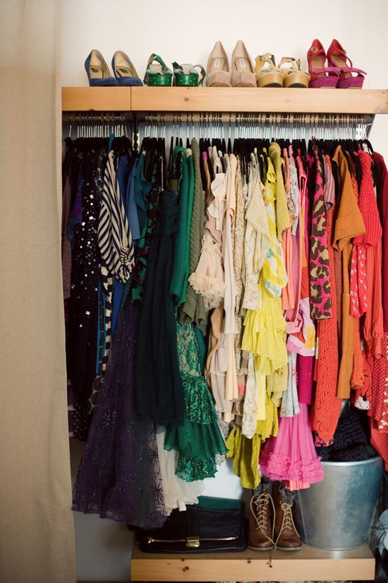 Love me a color coordinated closet, even better when all of the hangers match. Weekend project, check.