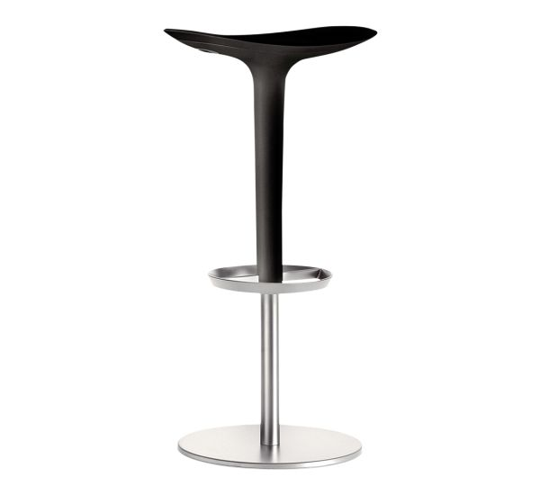 A simple form, almost instinctive to Babar that his spirit reveals sophisticated and naturally conceals an extraordinary technical complexity and functional.  Stool of mobile base in chromed steel rod and polyurethane autopellante.Regolabile height.  GreenGuard Certification  EPD (Environmental Product Declaration)