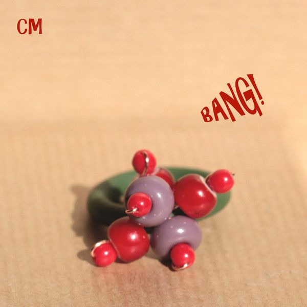 Anello+verde+con+perle+in+vetro+rosso+e+lilla+di+Le+Coucou+Magnifique+su+DaWanda.com
