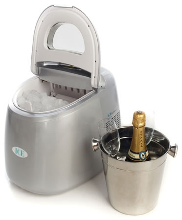 A mini ice maker with a big heart!