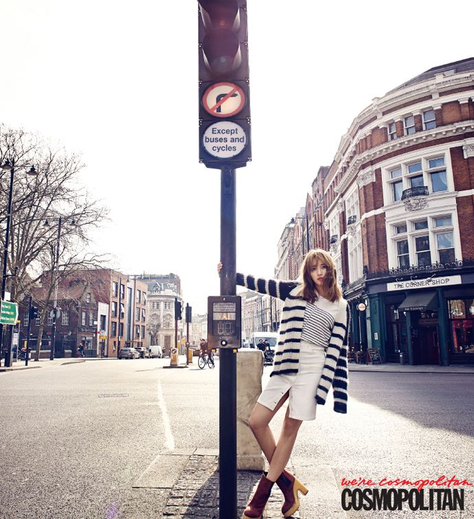 Song Ji Hyo اختيرت الممثله الاكثر جمالا من قبل المعجبين ...