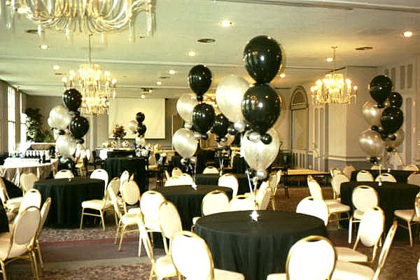 prom table balloon decorating ideas | wedding decorations black and white wedding decorations for the tables ...