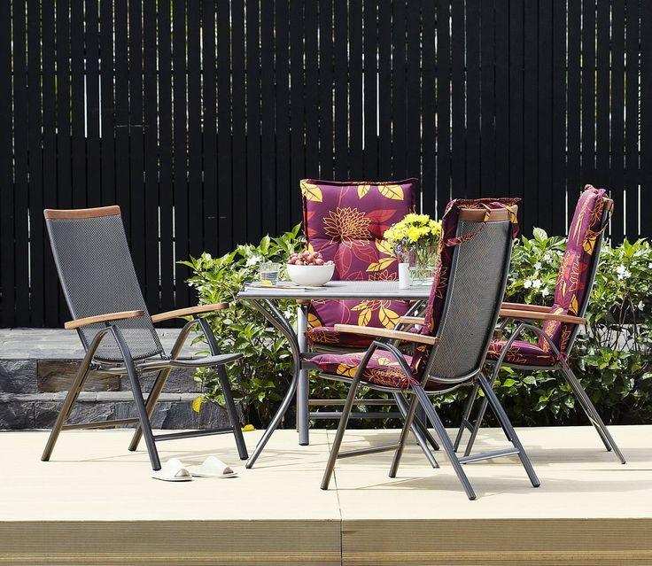 LAVRIK este un set luxos de grădină prevazut cu 4 straturi de tratament ce previne apariţia ruginii. Elegant, modern si rezistent la orice vreme. | JYSK