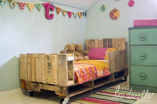 i have died and gone to pallet heaven {i know what i am making!}