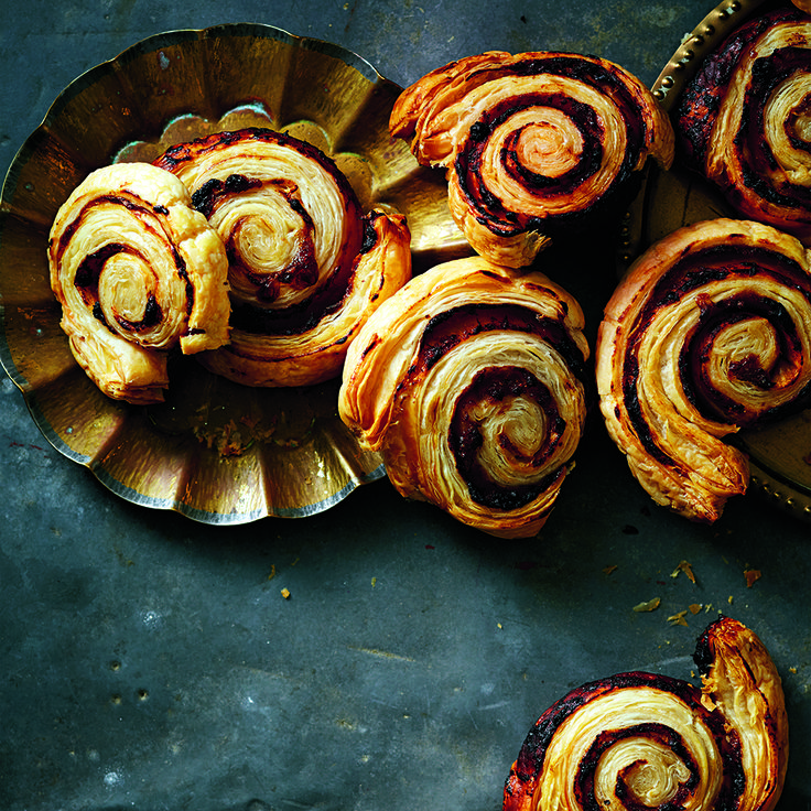 These scrumptious Caramelised Onion Swirls wont last long on the plate!