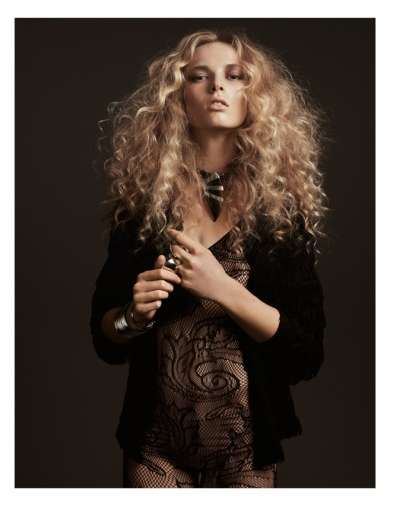 #Blonde Beach Updos - The Vogue Australia April 2011 Editorial Features a Tan Anja Rubik (GALLERY)