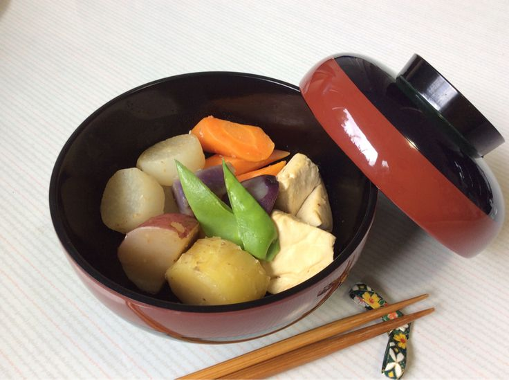Organic vegetable 'nimono' (simmered). I used 3 kinds of potatoes, daikon radish, carrots, tofu and simmered it slowly!  オーガニック野菜の煮物。三種類のじゃが芋、大根、人参、そして豆腐を入れくつくつ。。。