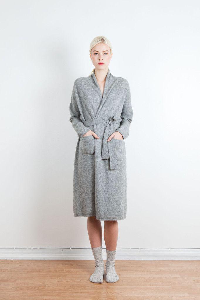 Haru cashmere robe   Arela