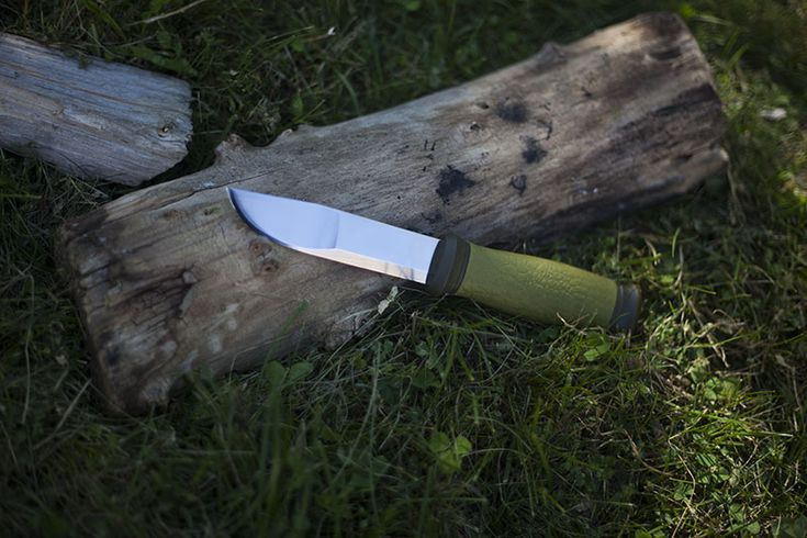 When people look into purchasing a Mora knife, they tend to go either ultra-modern with something like the Mora 2010 Bushcraft Forest, or they go old school with one of the Mora Classics. This leaves the Mora 2000 Outdoor Knife to be, in my opinion, one of the most underrated Mora knives out there. It's… Read More