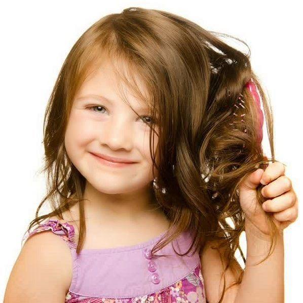 Tips Sederhana Merawat Rambut Agar Tidak Kusut Seharian | Tips Sehat | http://updatesehat.blogspot.com/2015/04/cara-agar-seharian-bebas-rambut-kusut.html