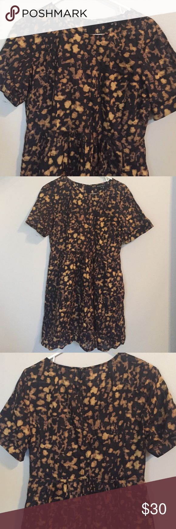 Madewell anima print dress Short sleeved animal print dress with pockets. Sleeves are cuffed and dress has flattering defined waist with bottom pleats. I loved it and wore once but too big now from smoke and pet feed house. Madewell Dresses